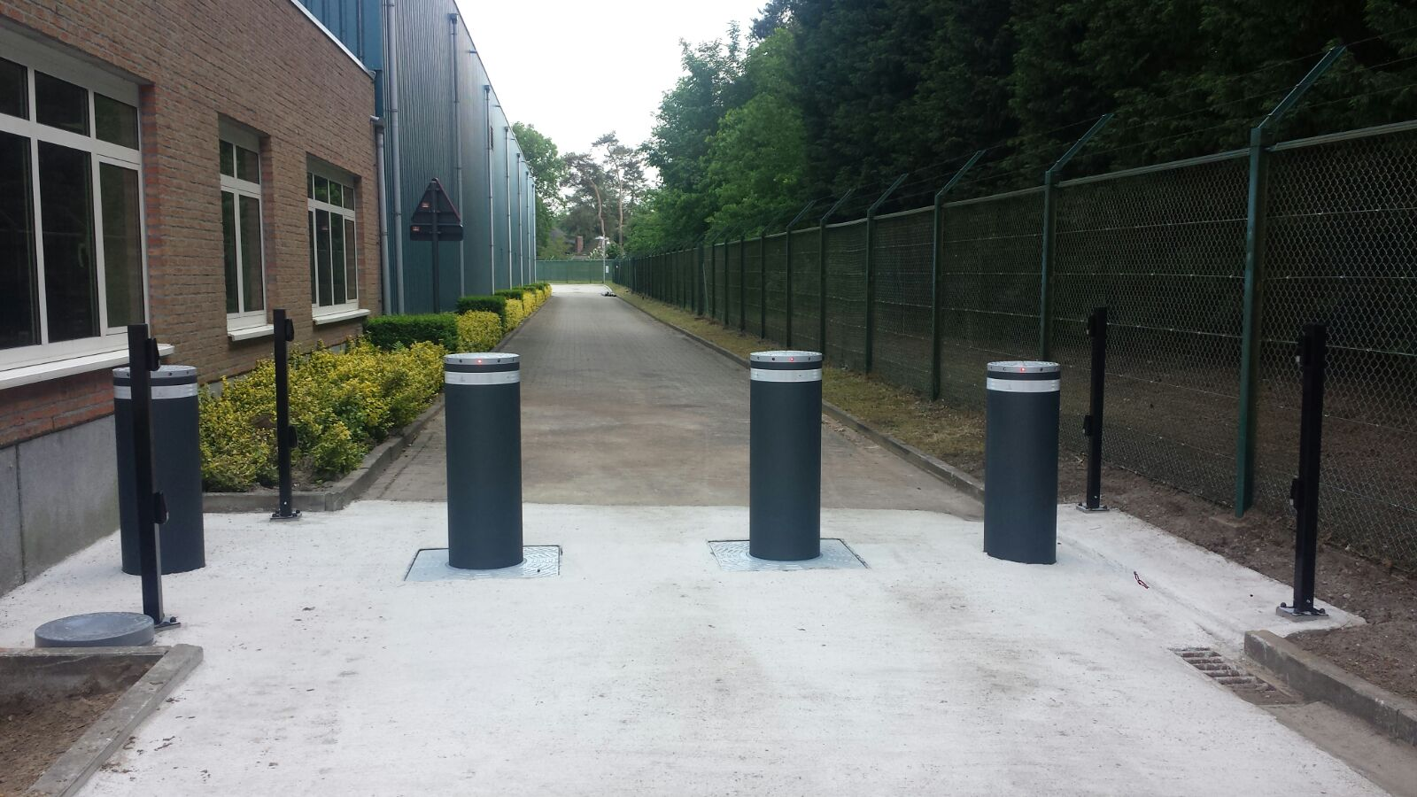 Faac j355 M30 anti terreur bollards