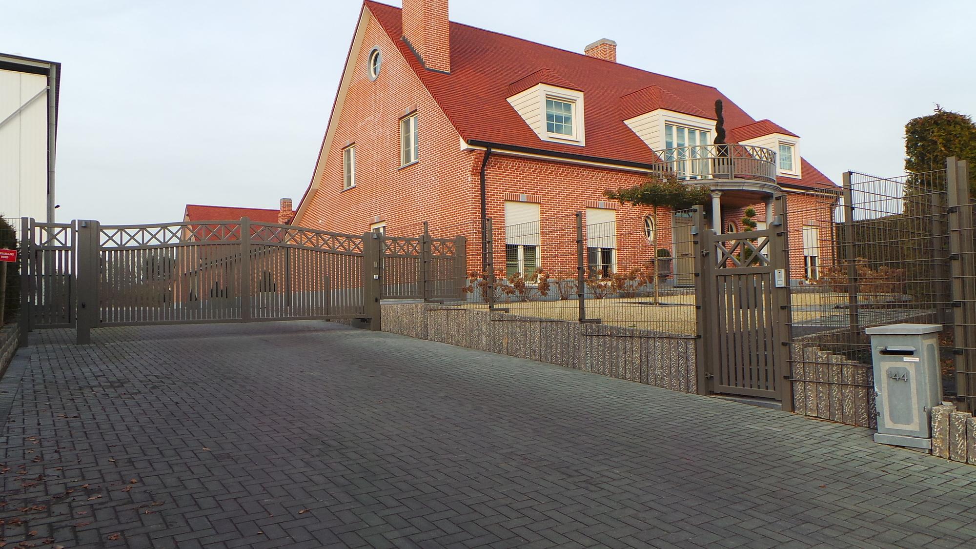 Metaal poorten modern klassiek industrieel bilzen limburg metaalwerken - Plaat hoek bakken ...
