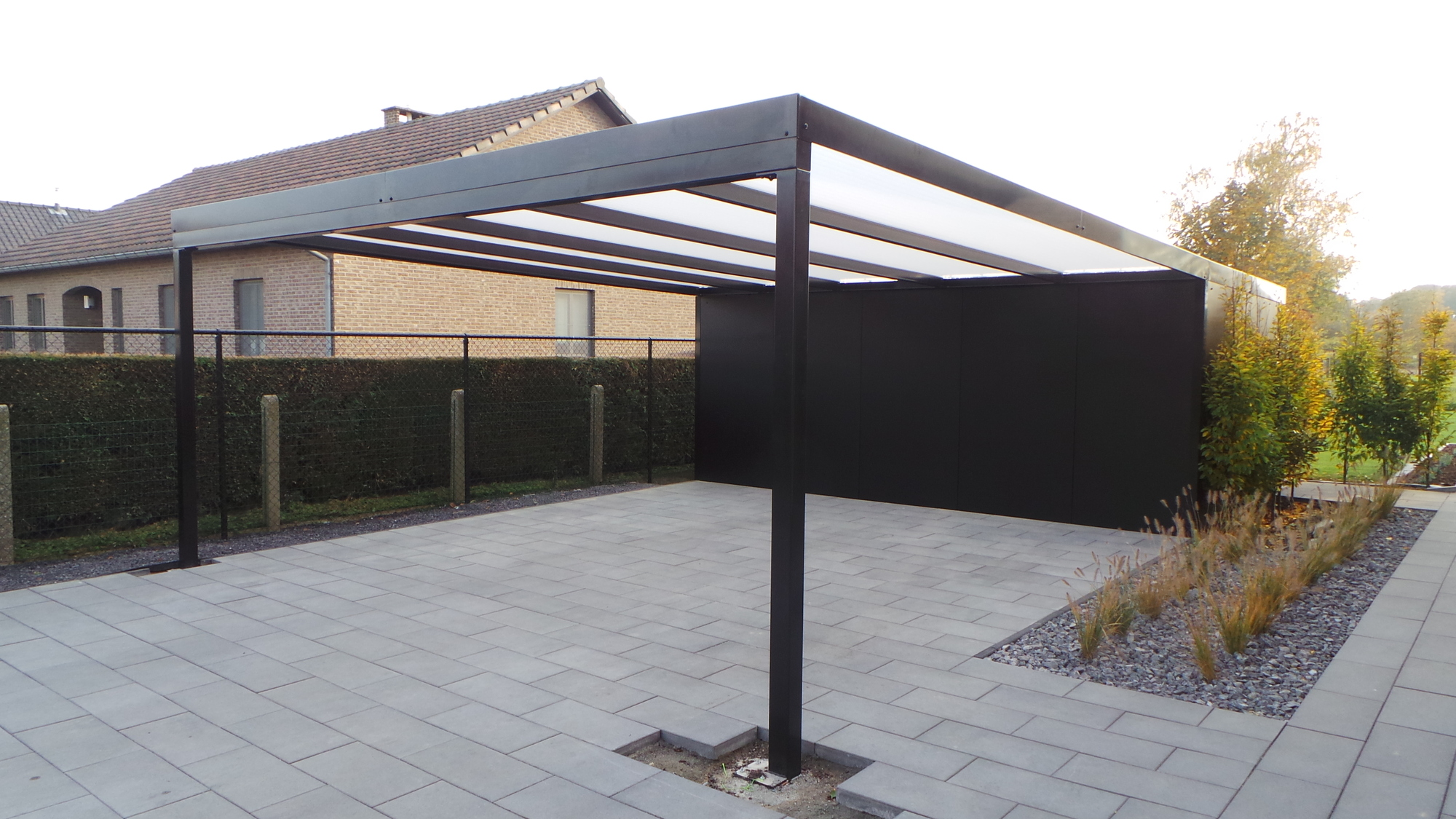 moderne carport bilzen limburg metaalwerken. Black Bedroom Furniture Sets. Home Design Ideas